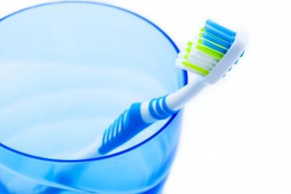 Cum să-ți alegi periuța de dinți