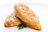 Piept de pui cu piele - fript pe grătar