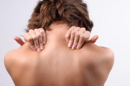 masaj vizual al zonei gâtului