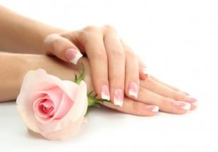 Cum pastrezi mainile tinere