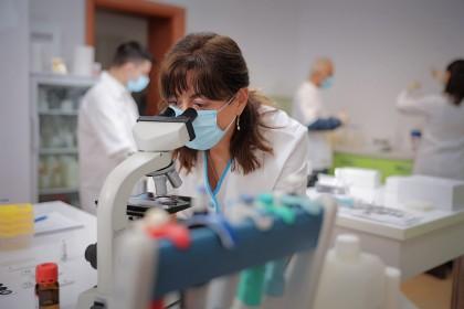Imunitatea față de SARS-CoV-2, un parametru care poate face diferența