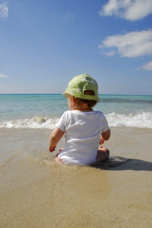 Expunerea la soare a bebelușului și a copilului mic - riscuri și soluții