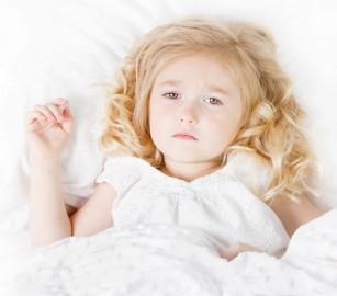 Riscul de atac cerebral la copii ar putea crește în timpul unei răceli