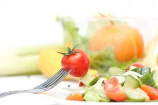 Meta-analiză: influența consumului de fructe și legume asupra riscului de deces în urma bolilor cardiovasculare și cancerelor