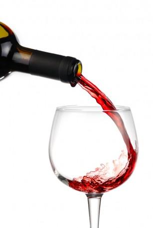 Vinul are efect protector cardiovascular numai în cazul persoanelor care fac exerciții fizice