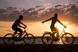 Mersul la serviciu pe bicicletă sau pe jos îmbunătățește starea de spirit