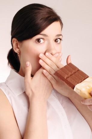 MIT: Ciocolata cauzează acnee