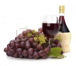 Consumul de vin roșu ar putea preveni pierderile de memorie