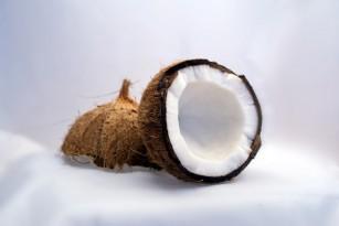 MIT: Uleiul de cocos oferă o protecție solară sigură