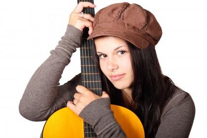 Efectele muzicii asupra creierului la adolescenți