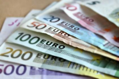 Cât de contaminate sunt bancnotele?