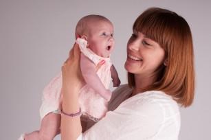 Ce beneficii are repetarea cuvintelor pentru bebeluși?