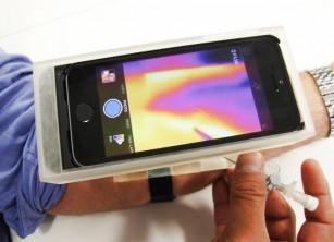 Smartphone-ul transformat în dispozitiv medical pentru localizarea venelor