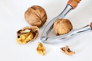 Consumul de nuci poate reduce riscul de boli cardiovasculare