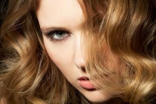 Modificările părului în sarcină, post-partum și menopauză