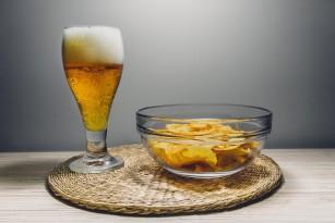 Legătura dintre consumul de alcool și aportul alimentar