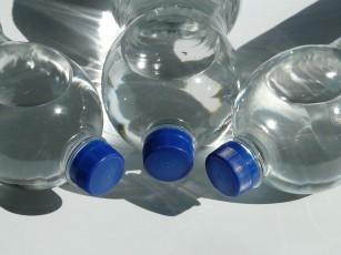 """Recipientele """"fără BPA"""" nu sunt neapărat sigure"""