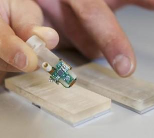 Proteza bionică ce redă complet simțul tactil