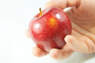 Consumul de fructe proaspete poate reduce riscul de infarct miocardic și accident vascular cerebral