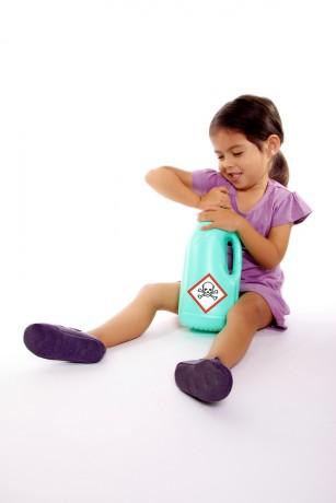 Detergentul sub formă de capsule sau pernuțe - mai periculos pentru copii