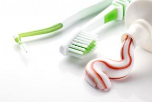 Un nou ingredient al pastei de dinți repară dinții în timpul somnului