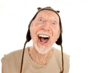 Apelul la emoții precum entuziasmul și furia este o tactică de convingere esențială utilizată de escrocii care păcălesc bătrânii
