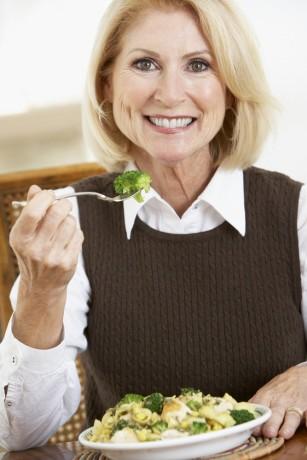 A fost identificată o asociere între aportul adecvat de fibre și îmbătrânirea sănătoasă