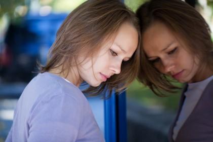 Tinerii și femeile sunt mai predispuși la anxietate
