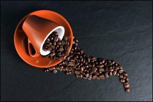 Pentru o cafea aromată, înghețați boabele înainte de măcinare