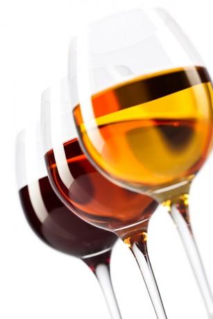 Consumul de alcool favorizează apariția cancerului, chiar și cel moderat