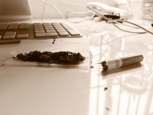 Combinația cannabis-tutun crește riscul de dependență