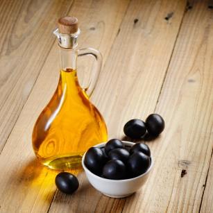 Înlocuirea carbohidraților sau a grăsimilor saturate cu cele nesaturate scade riscul cardiometabolic