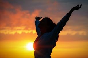 """De ce """"sacrificăm"""" fericirea de moment pentru bunăstarea pe termen lung?"""
