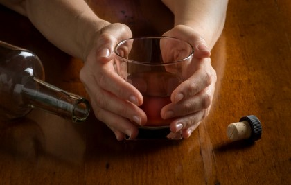 Alcoolul nu trebuie consumat ca tratament antidepresiv!