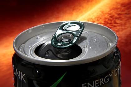 Hepatită acută cauzată de băuturile energizante la un bărbat din SUA