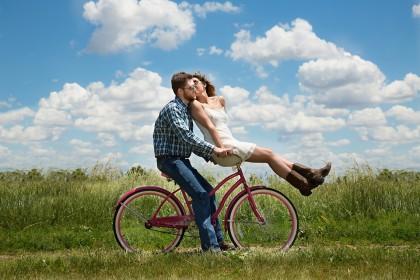 Sănătatea mentală și viața romantică decid cât de fericiți suntem
