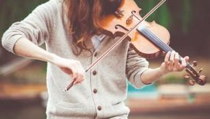 Persoanele care știu să cânte la un instrument muzical au o viteză de reacție mai mare