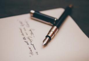 Scrisul de mână are beneficii cognitive superioare scrisului la tastatură