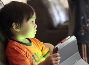 Învață-ți copilul să utilizeze tehnologia în mod sănătos!