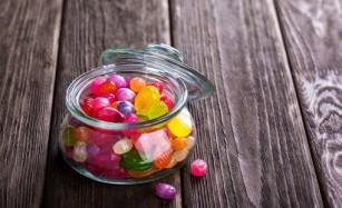 Aditivii din dulciuri pot altera structura și funcțiile tubului digestiv