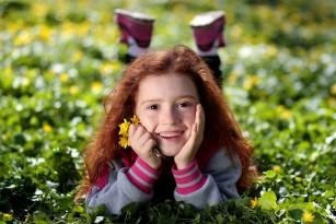 De ce copiii au nevoie de mai multă lumină violet și legătura cu miopia