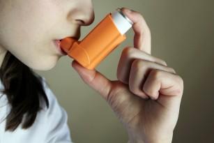 Insomnia crește riscul de astm la adulți