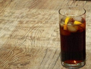 Consumul de băuturi răcoritoare îndulcite afectează sănătatea creierului