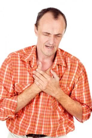 Tratamentul timpuriu al durerii în piept poate salva vieți