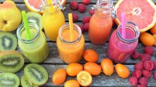 Pediatrii avertizează: fără suc de fructe pentru copiii mai mici de un an