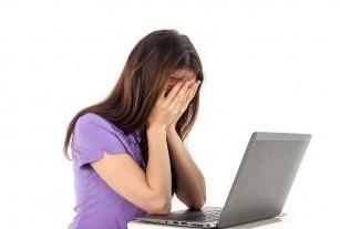 Care este legătura între stresul la locul de muncă, mâncarea nesănătoasă și somn?