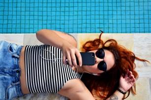 Poate utilizarea smartphone-ului să producă sindromul de tunel carpian?