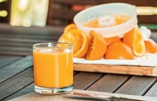 Uită de sucul de fructe! Consumă fructele întregi!