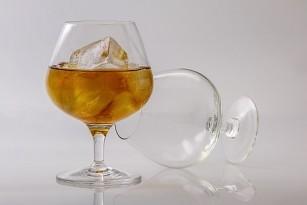 Consumul ridicat de alcool, asociat cu îmbătrânirea celulară