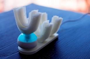 Dispozitivul care curăță dinții în doar 10 secunde